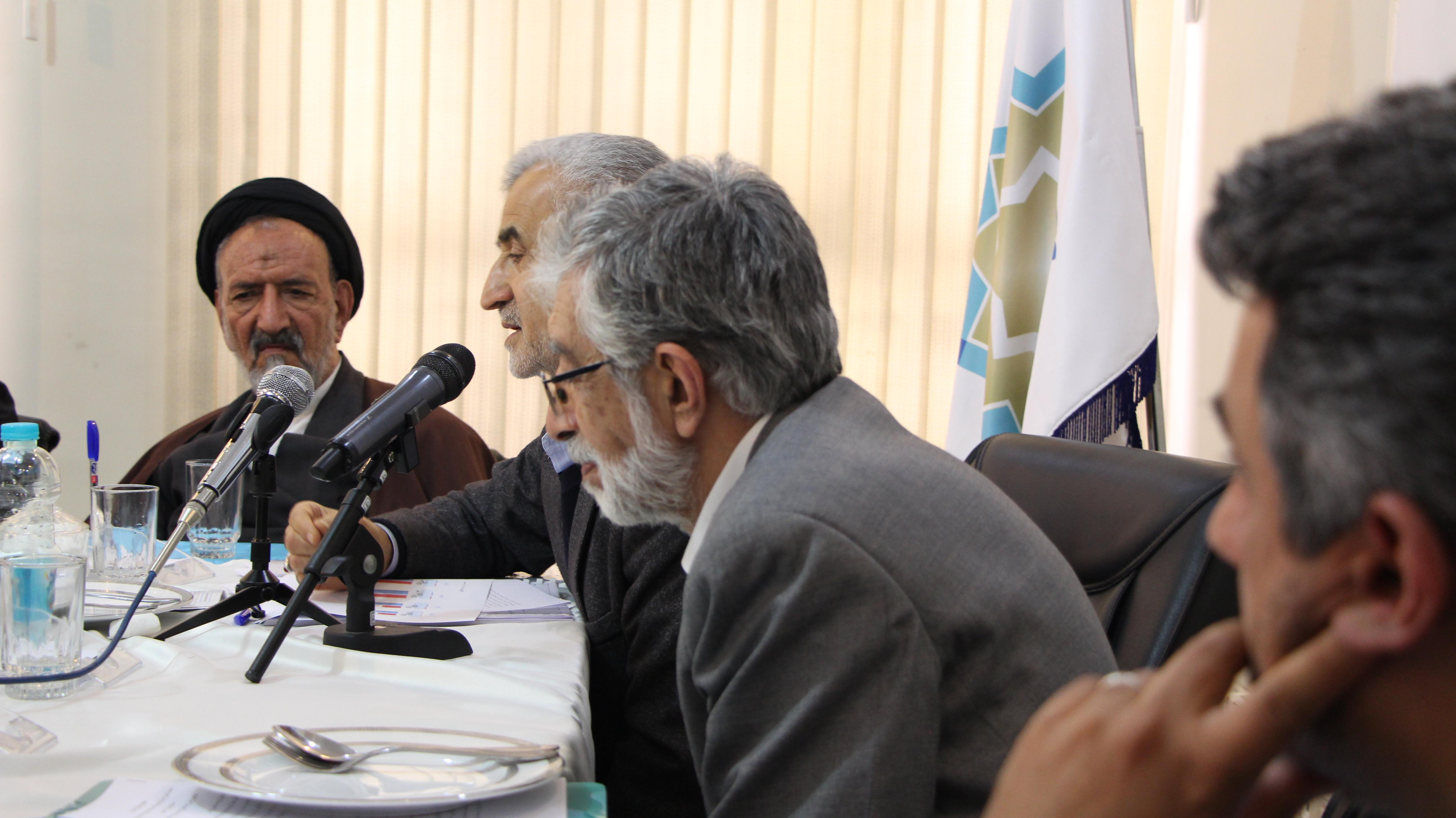 تاکید مدیران رسانه بر گسترش زبان فارسی در جهان