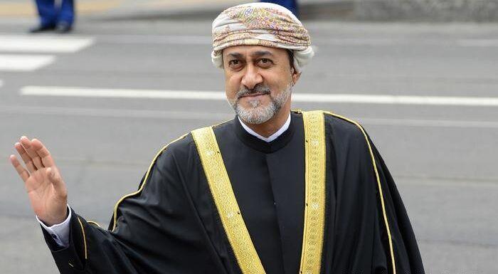 دستخط پادشاه جدید عمان سوژه خبرنگاران