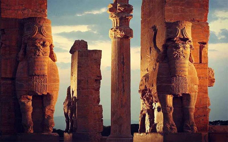 تجربه خاطره انگیز نوروز 99 در شیراز با برترین هتل ها