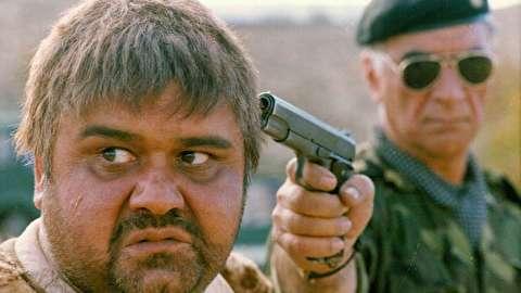 سکانسهایی از فیلم سینمایی پنجه در خاک