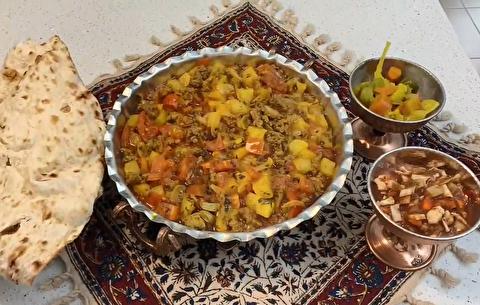 طرز تهیه خوراک سیب زمینی و گوجه