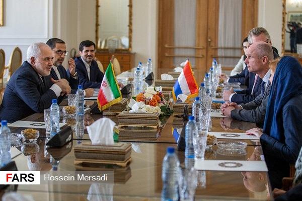 در دیدار ظریف و همتای هلندی در تهران چه گذشت؟
