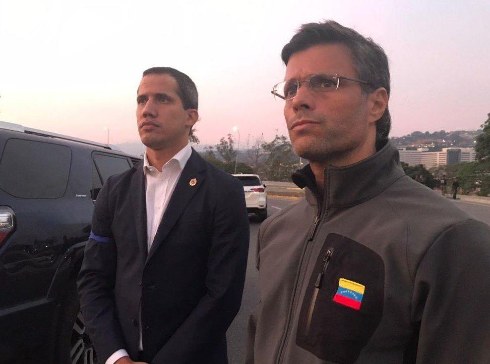 درخواست رهبر اپوزیسیون ونزوئلا از ارتش برای کودتا علیه مادورو/ حمایت بولتون و پمپئو از تحرکات گوایدو/ دولت ونزوئلا: در حال مقابله با عوامل کودتا هستیم