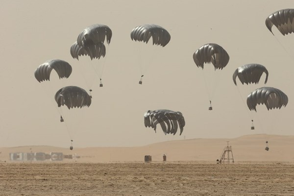 حرکت تانک های اسرائیلی به سمت مواضع ارتش سوریه/اعلام مخالفت قطر با تحریمهای آمریکا علیه ایران/ برگزاری نشست روسای ستاد ارتشهای کشورهای حوزه خلیج فارس در مسقط/میزبانی قطر از هیأت سعودی و بحرینی پس از دو سال قطع رابطه
