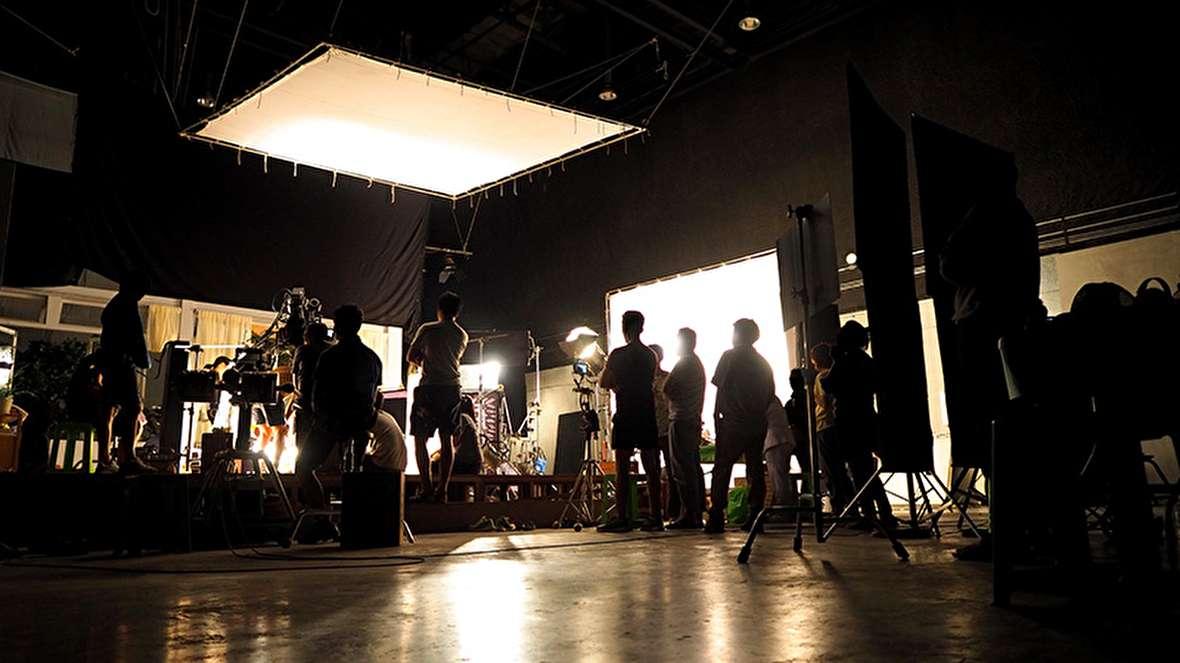بیش از 70 میلیارد هزینههای ستادی سینمای ایران! / برپایی سی و هشتمین جشنواره فیلم فجر با پنج میلیارد / رسمیت یافتنِ ادغام موسسه رسانههای تصویری، مدرسه ملی سینما و هنروتجربه