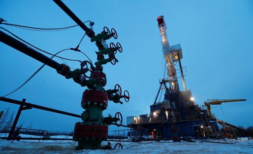 افزایش قیمت نفت خام همزمان با ادامه تحریمهای ایالات متحده و افزایش واردات چین