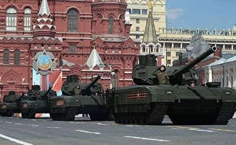 رژه نیروهای مسلح روسیه در حضور پوتین