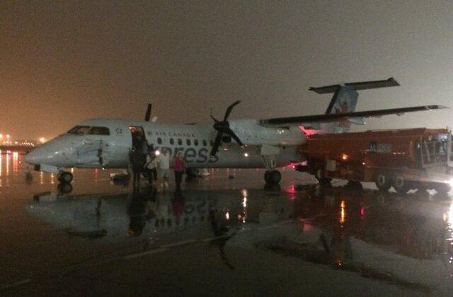برخورد کامیون سوخت با هواپیما در کانادا