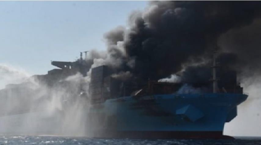 امارات هدف قرار گرفتن کشتیهایش را تایید کرد