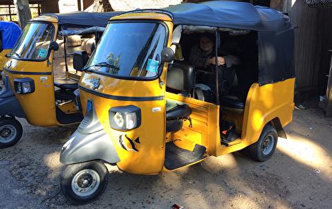 توک توک، تاکسی سه چرخه هندی