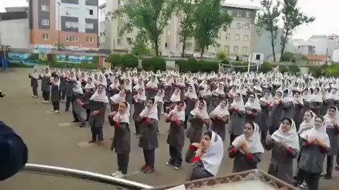 حافظخوانی در مدرسه دخترانه به جای جنتلمن