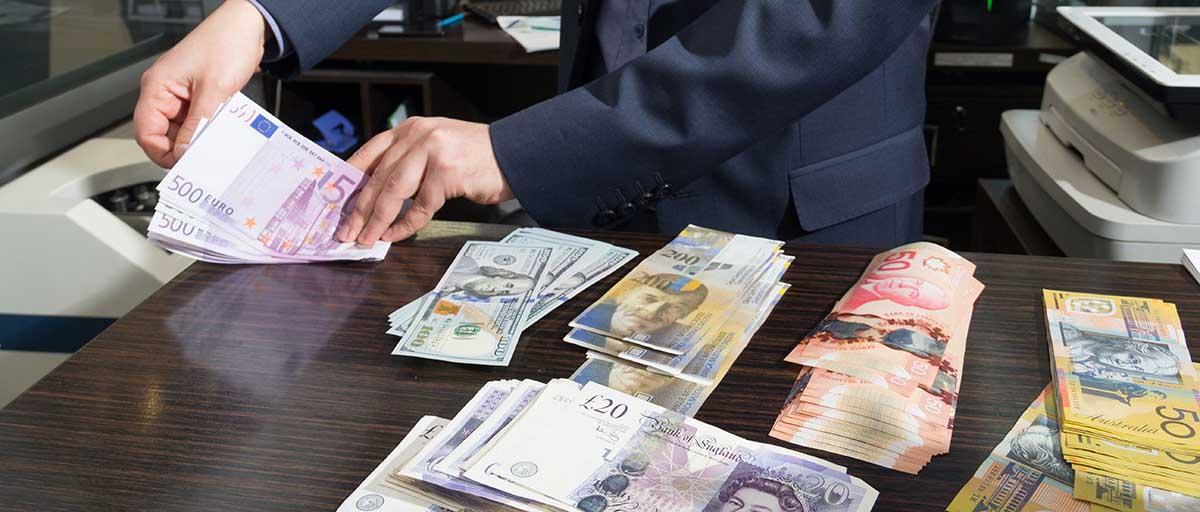 خریداران ارز برای پرداخت مالیات آماده باشند/ تصمیم سازمان امور مالیاتی چه تأثیری بر سایر بازارها خواهد گذاشت؟