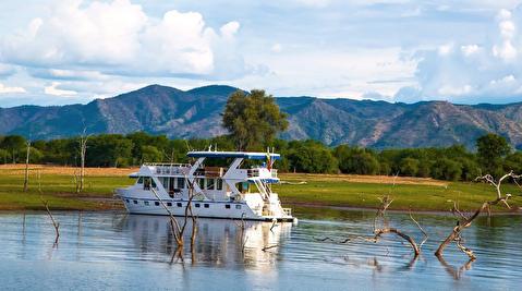 دریاچه کاریبا و طبیعت زیبای آن
