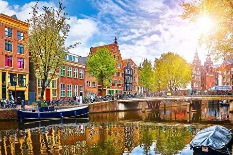 شبگردی در خیابانهای آمستردام