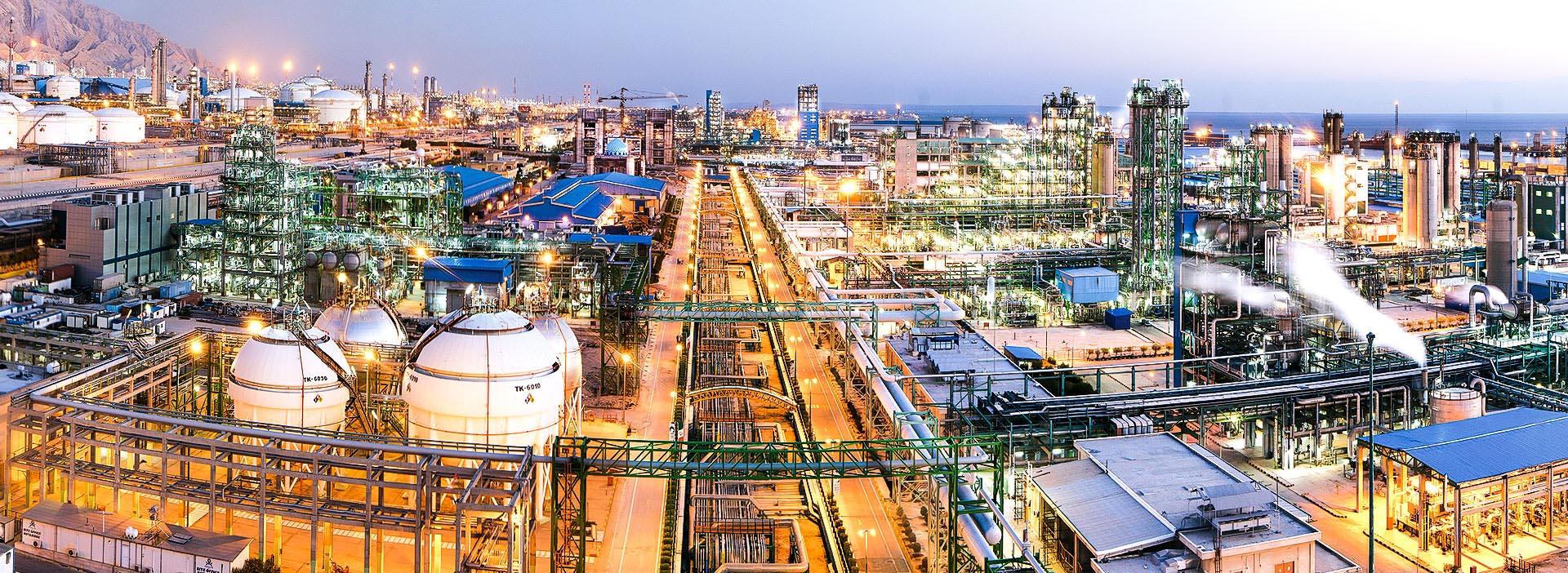 آمریکا پس از تحریم فروش نفت، به سراغ کدام محصول صادراتی ایران خواهد رفت؟
