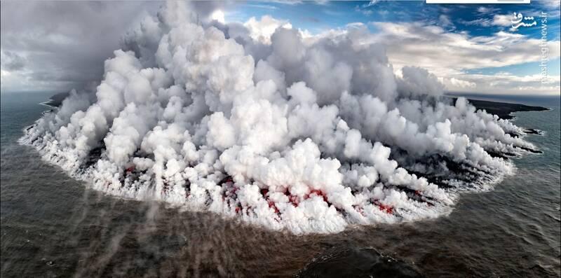آتشفشان فعال در افیانوس آرام