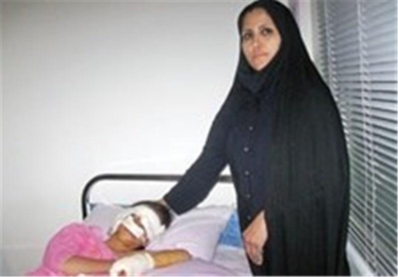 تلاش معلم فداکار بیجاری برای سلامتی دانش آموزان بیمارش