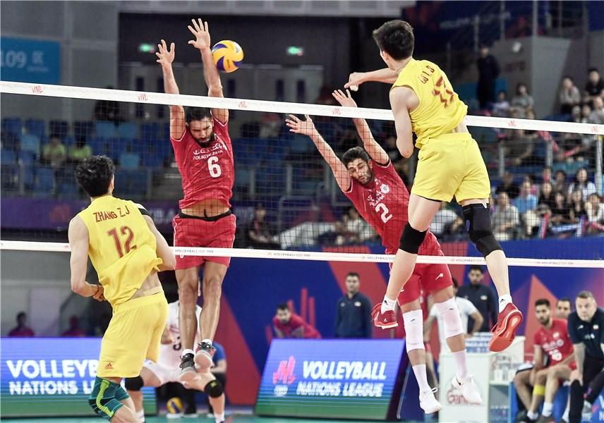 لیگ ملتهای 2019 والیبال؛ چین 0 - ایران 3 | جهش بلند یوزها به صدرجدول با پیروزی کوبنده در خانه میزبان