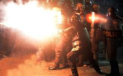 درگیریهای شدید خیابانی در اندونزی