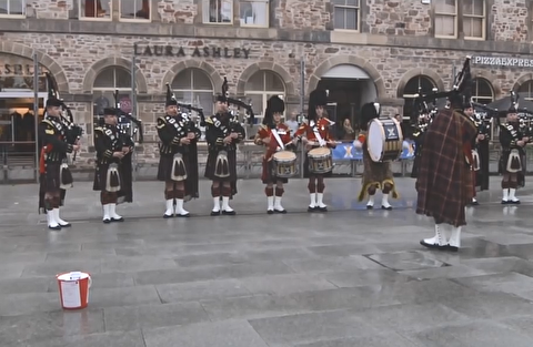 اجرای خیابانی موسیقی اسکاتلندی