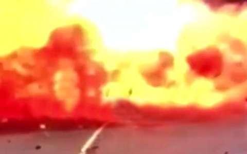 لحظات حمله پهپاد انصارالله به فرودگاه ابوظبی