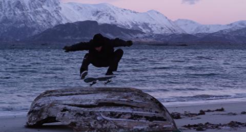اسکیت بورد در ساحل شمالی نروژ