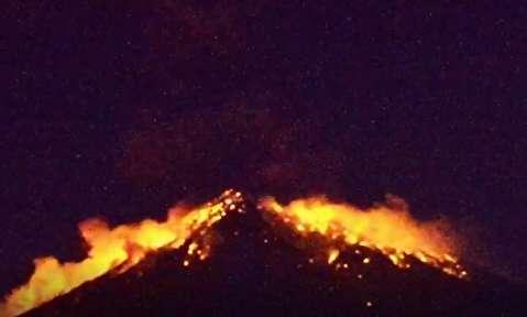 فوران آتشفشان در بالی اندونزی