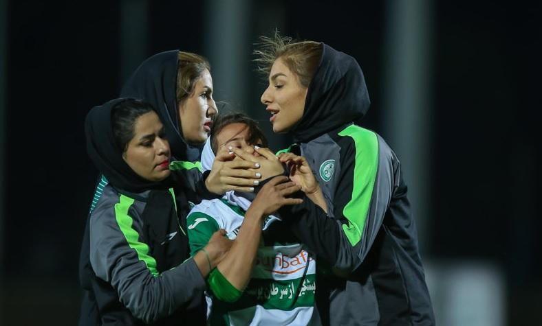باز هم کتک کاری در لیگ فوتبال زنان با ورود مردان!