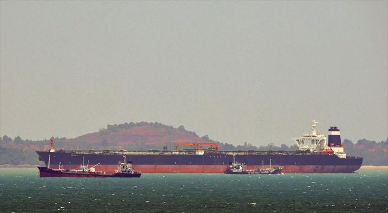 Risultati immagini per روز پنجشنبه ۱۳ تیر نفتکشی توسط نیروی دریایی بریتانیا در تنگه جبل الطارق توقیف شد