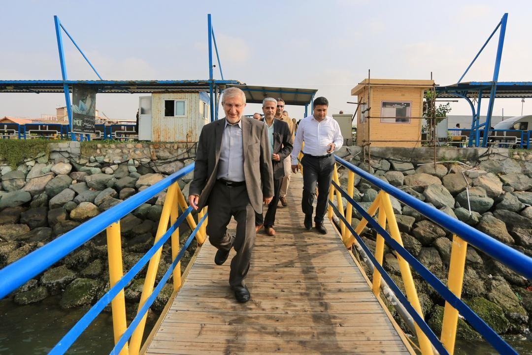 بازدید رئیس بنیاد مستضعفان از پروژههای جزیره لارک