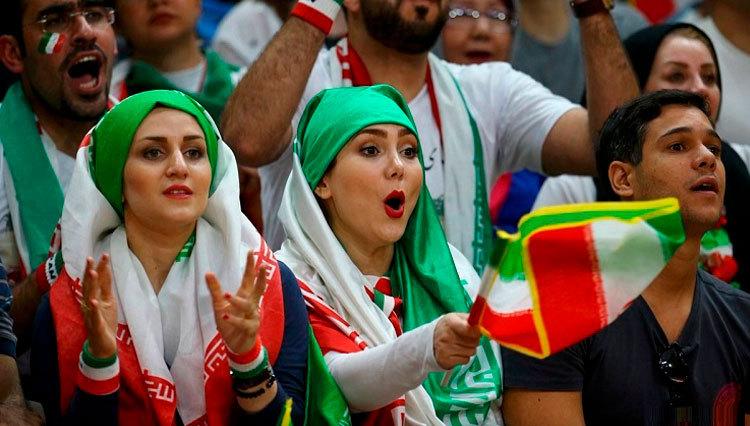 یک هفته تا پایان مهلت فیفا به فوتبال ایران درباره بانوان