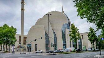 تخلیه مسجد کلن آلمان پس از تهدید به بمبگذاری