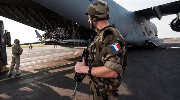 انگلیس و فرانسه چه هدفی از اعزام نیرو به سوریه دنبال می کنند!؟