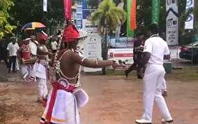 افتتاحیه ورزشی سریلانکایی ها با رقص بومی و شمع!