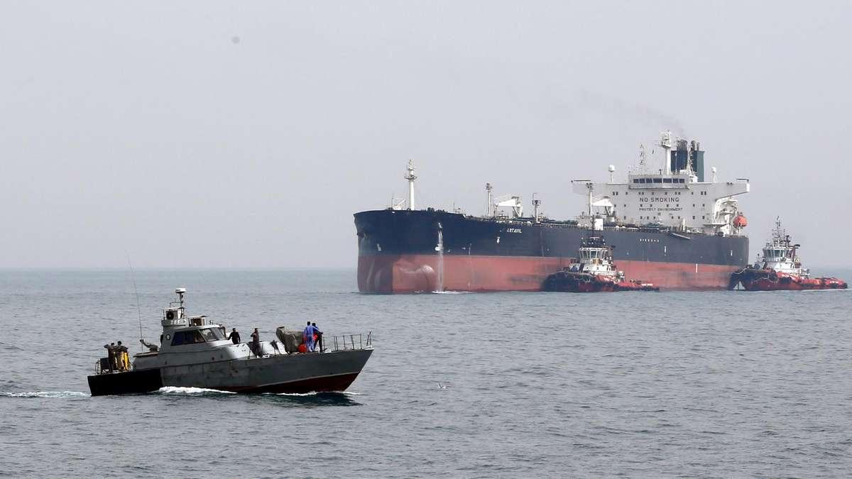 اسرائیل و موساد به دنبال بالا کشیدن محموله نفت کش ایرانی در جبل الطارق!
