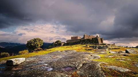قلعه تاریخی لیندوسو از نمای نزدیک