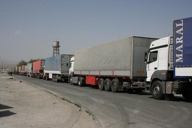 بنزین و گازوئیل ۴۵۰۰ تومانی در عراق وسوسهای برای قاچاقچیان/ محمولههای صادراتی به اربیل، بوی گازوئیل میدهد/ فعلا بنزین ۶ هزار تومانی منتفی است/ عدم تحقق درآمد ۱۴۰ هزار میلیارد تومانی از صادرات نفت