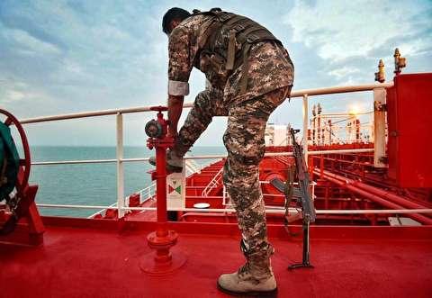 پخش اذان از بلندگوی نفتکش توقیفشده انگلیس