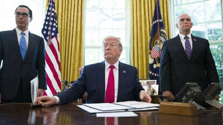 تحلیل نشریه آتلانتیک از تحریمهای جدید ترامپ علیه رهبری ایران