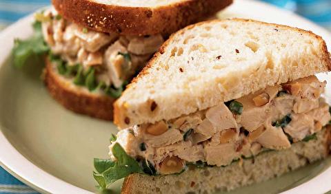 طرز تهیه ساندویچ سالاد مرغ مخصوص