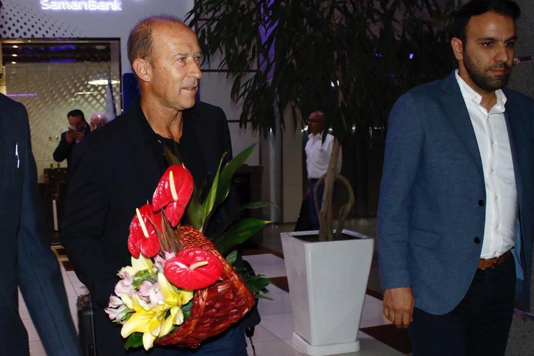 اولین مصاحبه کالدرون در فرودگاه امام: فقط حمله و قهرمانی