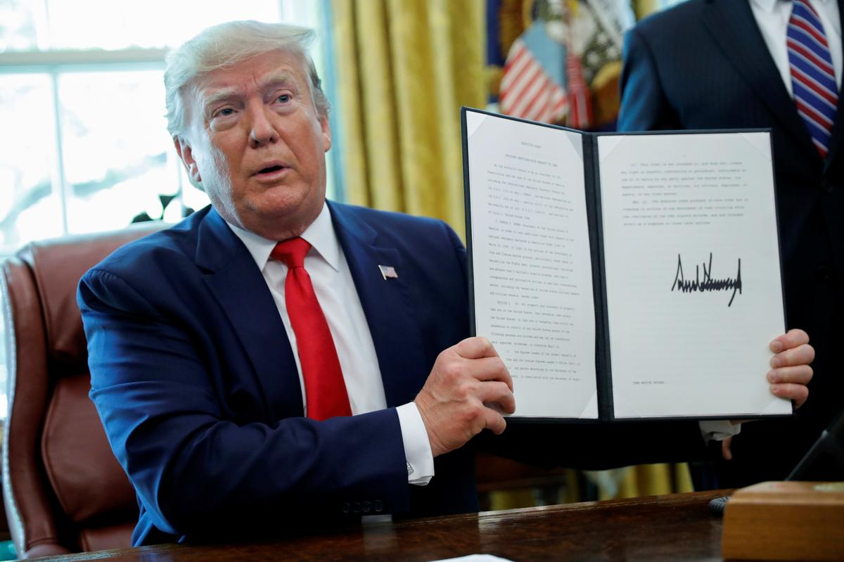 دولت ترامپ در خصوص ایران بر سر دوراهی نهایی قرار گرفته است