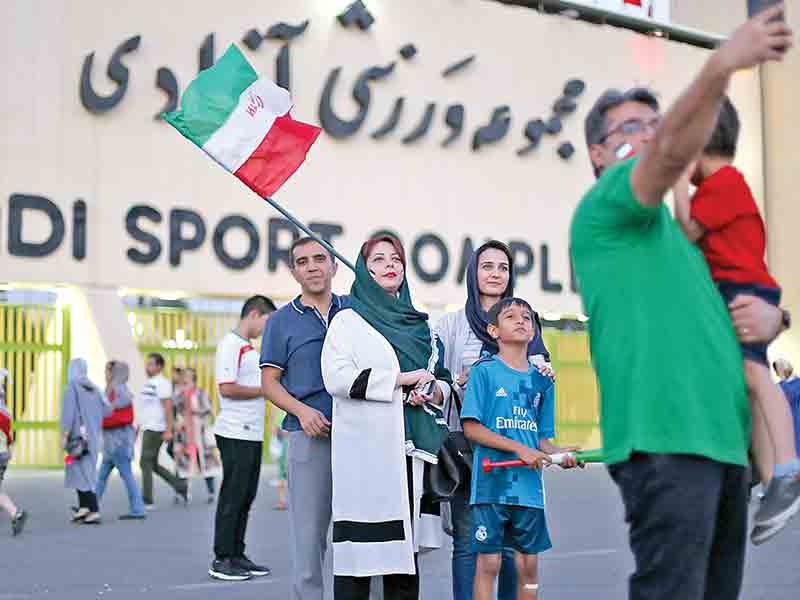 سازمان لیگ:فیفا هیچ اجباری برای ورود زنان به ورزشگاه نکرده