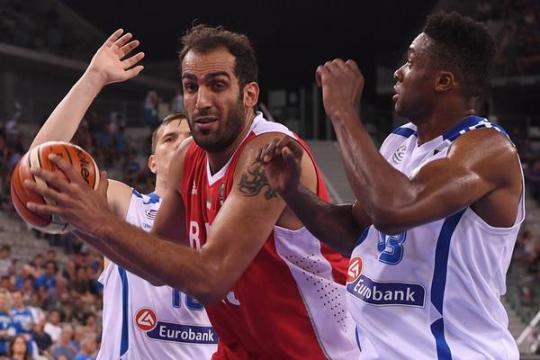 حدادی درخشید، تیم ملی مغلوب یونان شد
