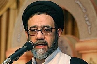 خضوع امام جمعه تبریز برای حفظ حرمت یک بانو