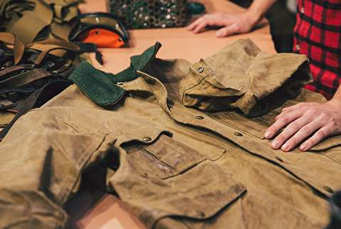 چگونه لباس پارچهای را ضدآب کنیم؟