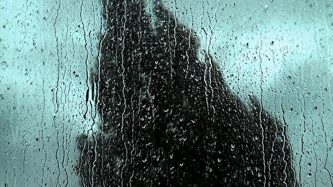شنیدن صدای باران از پشت شیشه