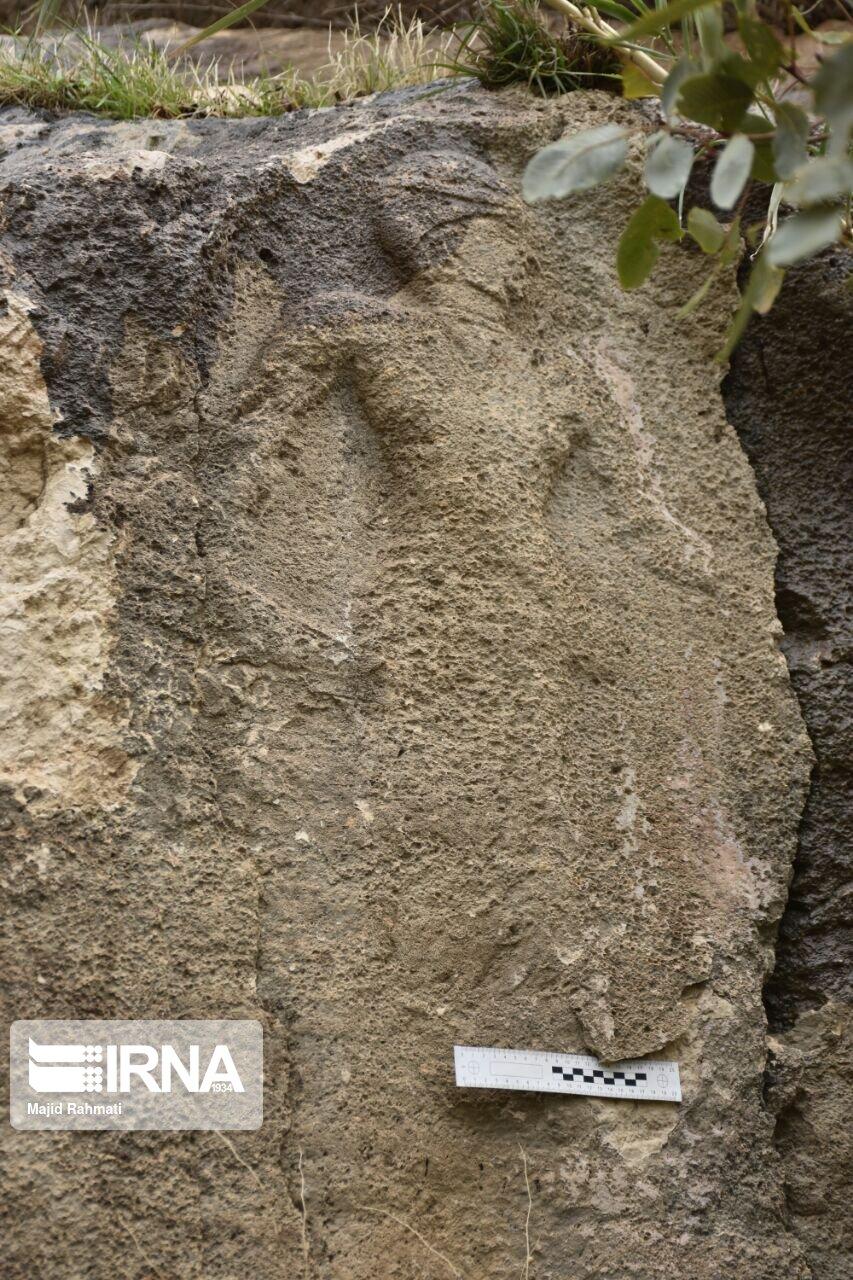 کشف نقش برجسته ۴ هزار ساله در ثلاثباباجانی