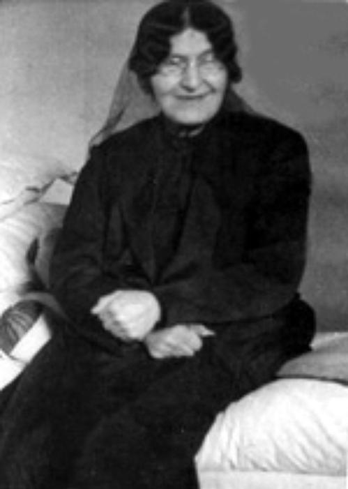 دلاور زن عصر مشروطه که خانهاش پناهگاه بزرگان مشروطهخواه بود