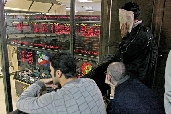 عقبگرد دماسنج بازار سرمایه متاثر از رفتار هیجانی و اخبار سیاسی